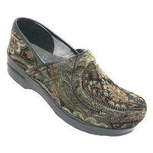 Dansko Vegan Tapestry Paisley Clogs Size 39 Shoes